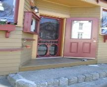 Front entrance, Charlotte Lane Café, Shelburne, Nova Scotia, 2007. ; Heritage Division, NS Dept of Tourism, Culture and Heritage, 2007