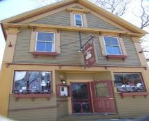 Front elevation, Charlotte Lane Café, Shelburne, Nova Scotia, 2007. ; Heritage Division, NS Dept of Tourism, Culture and Heritage, 2007