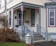Detail of the recessed front porch of the George W. Clements House, Yarmouth, NS, 2006.; Heritage Division, NS Dept. of Tourism, Culture and Heritage, 2006