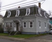 A northwest perspective of the J. W. Bingay / Dr. Morton House, Yarmouth, NS, 2006.; Heritage Division, NS Dept. of Tourism, Culture and Heritage, 2006