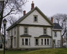 A southwest perspective of Holy Trinity Rectory, Yarmouth, Nova Scotia, 2006.; Heritage Division, NS Dept. of Tourism, Culture and Heritage, 2006