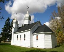 Oblique view, from the southwest, of the Ukrainian Greek Orthodox Church of the Ascension, Angusville, 2007; Historic Resources Branch, Manitoba Culture, Heritage, Tourism and Sport, 2007