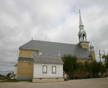 Contextual view, from the southwest, of the Charlebois Chapel, The Pas, 2007; Historic Resources Branch, Manitoba Culture, Heritage, Tourism and Sport, 2007