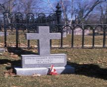 General view of Sir John A. Macdonald's gravesite, 1995.; Parks Canada/Parcs Canada, 1995.