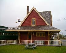 West elevation, Sydney and Louisburg Railway Station, Louisbourg, Nova Scotia, 2004. ; Heritage Division, NS Dept. of Tourism, Culture and Heritage, 2004