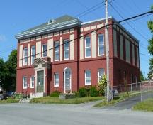 View of the front and right facades of Western Union Cable Building, Bay Roberts, NL. Photo taken July 2009. ; HFNL/Andrea O'Brien 2009