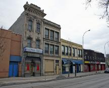 Contextual view, from the northwest, of the Alloway and Champion Bank, Winnipeg, 2007; Historic Resources Branch, Manitoba Culture, Heritage, Tourism and Sport, 2007