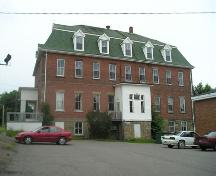 South elevation, Stella Maris Convent, Pictou, Nova Scotia, 2005. ; Heritage Division, NS Dept. of Tourism, Culture and Heritage, 2005