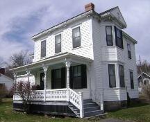 This photograph shows the contextual view of the Charles Horsnell House, 2008; Town of St. Andrews