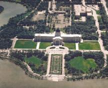Aerial view of the Legislative Building, showing its grounds designed according to principles of the City Beautiful movement and centred on Wascana Lake.; Saskatchewan Archives Board.