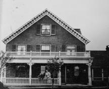 Showing house when owned by Captain Dicks, c. 1905; Therese Mair Collection