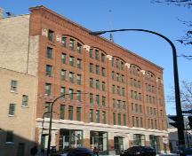 Primary elevation, from the southeast, of the Sterling Cloak Building, Winnipeg, 2007; Historic Resources Branch, Manitoba Culture, Heritage, Tourism and Sport, 2007