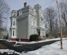 494 St. George Street, Annapolis Royal, south west elevation, 2005; Heritage Division, NS Dept. of Tourism, Culture and Heritage, 2005