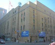 Exterior view of Maple Leaf Gardens.; Parks Canada/Parcs Canada, 1999.
