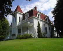 Side perspective, St. Joseph's Glebe House, St. Joseph's, NS, 2005.; Heritage Division, Nova Scotia Department of Tourism, Culture and Heritage, 2005