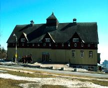 General view of the Main Barn at the Central Experimental Farm.; Parks Canada Agency / Agence Parcs Canada.