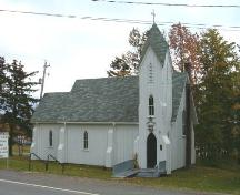 Front elevation, St. Peter's and St. John's, Baddeck, Nova Scotia, 2004.; Heritage Division, NS Dept. of Tourism, Culture and Heritage, 2004.