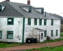 Rear elevation of oldest section, Ottawa House, Partridge Island, NS, 2005.; Heritage Division, Dept. of Tourism, Culture and Heritage, Province of NS, 2005