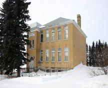 View of main elevation, from the northeast, of Darlingford Consolidated School, Darlingford, 2005; Historic Resources Branch, Manitoba Culture, Heritage, Tourism and Sport, 2005