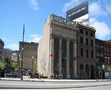 Contextual view, from the southeast, of the Bank of Toronto, Winnipeg, 2006; Historic Resources Branch, Manitoba Culture, Heritage, Tourism and Sport, 2006