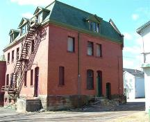 Old Post Office, Parrsboro, NS, side elevation, 2005.; Heritage Division, NS Dept. of Tourism, Culture and Heritage, 2005.