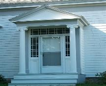 Captain James Anthony House, Port Wade, N.S., central doorway with pedimented portico and Doric columns, 2009.; Heritage Division, NS Dept. of Tourism, Culture and Heritage, 2009