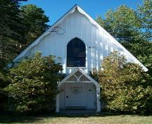 Evergreen United Baptist Church, West Paradise, N.S., front elevation, 2009.; Heritage Division, NS Dept. of Tourism, Culture and Heritage, 2009