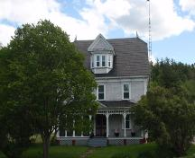 Front elevation of the W.R. McCloskey Home, Boiestown region, 2009; Rural Community of Upper Miramichi