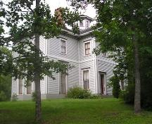 Front and west elevation, General Manager's House, Westville, Nova Scotia, 2005. ; Heritage Division, NS Dept. of Tourism, Culture and Heritage, 2005.