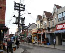 General view of Baldwin Street in the Kensington Market National Historic Site of Canada, 2005.; Agence Parcs Canada / Parks Canada Agency, A. Waldron, 2005.