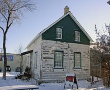 Contextual view, from the west, of the William Brown House, Winnipeg, 2007; Historic Resources Branch, Manitoba Culture, Heritage, Tourism and Sport, 2007