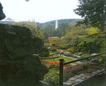 General view of Butchart Gardens, showing the Sunken Garden, 2004.; Agence Parcs Canada/Parks Canada Agency, A. Mosquin, 2004.