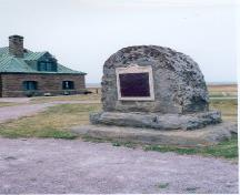 General view of the plaque and cairn at Tonge's Island National Historic Site of Canada, 2002.; Parks Canada Agency / Agence Parcs Canada, 2002.