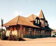 Exterior of The 1910 Calgary and Edmonton (CPR) Station Building (March 2004); Alberta Culture and Community Spirit, Historic Resources Management Branch, 2004