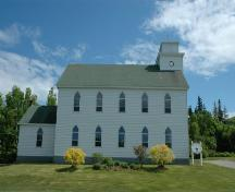 Side view of St. George's Church.; Heritage Division, N.S. Dept. of Tourism, Culture and Heritage, 2009.
