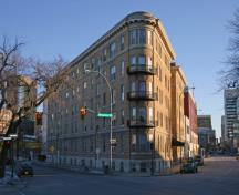 Primary elevations, from the northwest, of the Ambassador Apartments, Winnipeg, 2007; Historic Resources Branch, Manitoba Culture, Heritage and Tourism, 2007