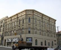 Primary elevations, from the southeast, of the Independent Order of Odd Fellows Hall, Winnipeg, 2007; Historic Resources Branch, Manitoba Culture, Heritage and Tourism, 2007
