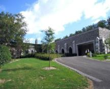 View of the crematorium.; Parks Canada/Parcs Canada 2004.