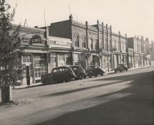 Archival view, from the northwest, of the Wright Building (centre-left), Carberry, ca. 1945; Carberry Plains Archives, ca. 1945