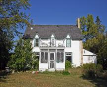 Primary elevation, from the east, of the Firth House, Lockport area, 2007; Historic Resources Branch, Manitoba Culture, Heritage and Tourism, 2007