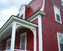 Porch showing detailed trim, Reynolds House, Queensport, NS; Heritage Division, NS Department of Tourism, Culture and Heritage, 2009