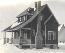 Showing house in the 1920s; MacNaught Archives Acc. 071.008