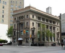 Primary elevations, from the southwest, of the Imperial Bank of Canada, Winnipeg, 2006; Historic Resources Branch, Manitoba Culture, Heritage and Tourism, 2006