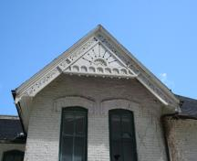Detail of the bargeboards on the south elevation of the Kelly House, Winnipeg, 2007; Historic Resources Branch, Manitoba Culture, Heritage and Tourism, 2007