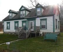Façade and North Elevation, William Ricker House, Roberts Island, NS, 2009.; Heritage Division, NS Dept. of Tourism, Culture & Heritage, 2009.