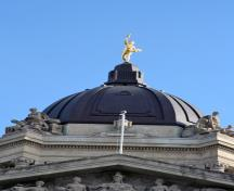 Detail view of the dome and Golden Boy, Manitoba Legislative Building, Winnipeg, 2009; Historic Resources Branch, Manitoba Culture, Heritage and Tourism, 200910