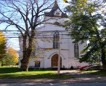 The facade of Zion United Church, Liverpool, Queens County, NS.; NS Dept. of Tourism, Culture & Heritage, 2009