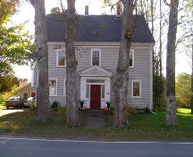 The front facade of the Zoeth Freeman House, Milton, Queens County, Nova Scotia.; Heritage Division, NS Dept. of Tourism, Culture & Heritage, 2009.