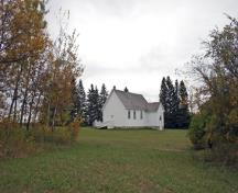 Contextual view, from the northwest, of Tummel United Church, Tummel, 2007; Historic Resources Branch, Manitoba Culture, Heritage and Tourism, 2007