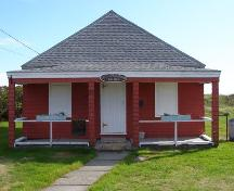 The front (north) elevation of the Little School Museum in the Town of Lockeport, NS.; NS Dept of Tourism, Culture & Heritage, 2009